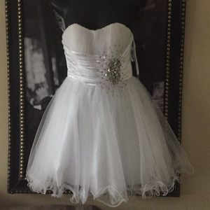 Anny Lee gorgeous formal white small NWT